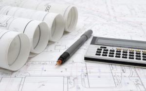 iStock Pläne und Karten auf dem Tisch